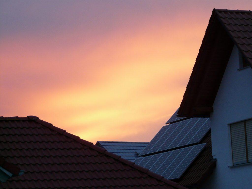 Få bidrag/stöd för att installera solceller på ditt hus.